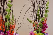 Floral Arrangements / by Lori Moore