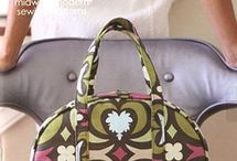 BAG & TOTE IDEA'S / A collection of bags, totes and purses to make for yourself or as a gift. Always be on trend.