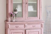 SHABBY CHIC / by Julie Daniels