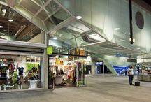 Aeropuerto de La Palma / Situado a 8 kilómetros de Santa Cruz de la Palma, es un aeropuerto moderno y capacitado para contribuir al desarrollo económico y turístico de la zona a la que presta servicio. http://ow.ly/GwM8l