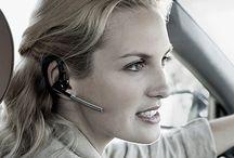 (Vrouw)vriendelijke rijschool / Wil je in een vertrouwde sfeer je rijbewijs halen? De meeste vrouwen leren anders autorijden dan mannen. Dat geldt ook voor het leren besturen van een auto. Vrouwen hebben vaak een ander soort aandacht en steun nodig dan mannen. Ze hebben behoefte aan meer uitleg, terwijl mannen vaak meteen een opdracht uitvoeren. Het is in ieder geval verstandig om voor de rijopleiding voor vrouwen te kiezen als je bij voorbaat al tegen de rijlessen opziet.