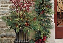 Christmas Urn Fillers / Christmas urn fillers and the inspiration necessary to confidently create your own custom Christmas displays.