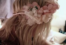 Flowers in hair are divine / by Curlformers