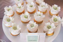 Elegant cupcakes  / by Camila Marcias