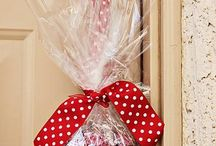 Christmas gifts - quick and easy / by Jamie Abernathy