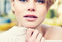 lucy fry / actress