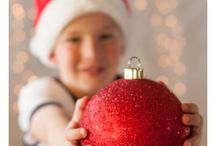Christmas Photography / Christmas photos featuring families and kids by Kelli D Photography - Adelaide, South Australia. Modern portrait sessions customised for you.