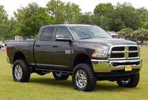 2014 Ram 2500 / Lifts