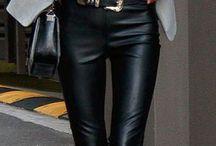 Calça de couro feminina