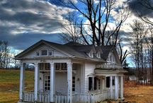 Old houses / by Tabatha Raper