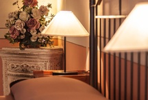 Charming rooms in San Gimignano / Sleeping in a charming room in the historical residence is a great choice to enjoy the magic of #SanGimignano at night!