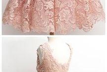 Uns vestidinhos