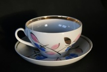 Sipping coffe & tea - vintage coffe cups  / To have all cups from the same collection is so boring!