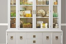 China Cabinets and Displays