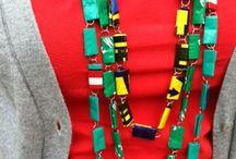 colares, pulseiras e anéis