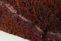Muhallebisiyle pişen kek