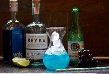 BLUE COCKTAILS / Fun and fancy cocktails for a blue colour theme