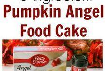 Pumpkin Recipes for Fall / I love pumpkin, regardless of what time of year it is. Pumpkin spice, pumpkin pie, pumpkin cookies... I don't discriminate! Here are some of my favorite pumpkin recipes for fall.