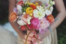 Fabulous Florals / A board dedicated to the beauty of florals -- centerpieces, bouquets + floral arrangements.  / by Abbie | Girl Friday Events