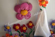 Vergel de flores !!!! Souvenirs Ma Cristina www.souvenirsmacristina.com.ar / Hermosas flores souvenirs realizadas en telas con imán . visita mi página  www.souvenirsmacristina.com.ar