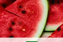 JUIZ~S | Summer Detox Water / Watermelon is the main ingredient of this summer detox water. Check out the health & beauty facts of watermelon and the other ingredients on this pinterest board! Juizs 365 days #juizseverydamnsday