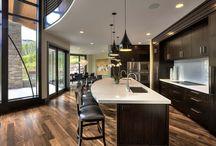 Wolf Creek kitchen / by Lizzy Staffieri