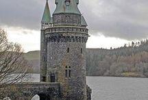 CASTLE/TOWER