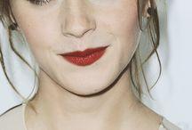 La chica perfecta, dulce lista y astuta y queda mas por decir,  es un gran ejemplo a seguir