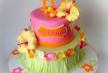 cakes with hawai flower