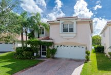 2813 NW 79th Ave, Coral Springs, Fl / This stunning 4 Bedroom home sits on an extra wide waterfront lot and offers picturesque views of the Carolina Club golf course as far as the eye can see. For more info, visit: http://2813NW79thAve.caplisted.com/