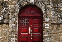 Doors around the world / by Tricia Chacon
