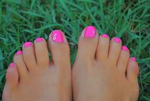 Pretty toe nails