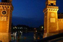Architektura Wenecji / Budynki, pomniki i place stanowiące największa atrakcję turystyczną w Wenecji. Te miejsca trzeba koniecznie zobaczyć podczas wakacji spędzanych we Włoskiej Wenecji