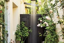 fun outdoor shower and baths