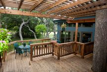 Outdoor Oasis / You can be outdoors nearly year round in South Texas...a great reason to ensure you're taking complete advantage of your outdoor spaces.