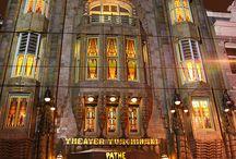 Pathé Tuschinski (Amsterdam) / El Pathé Tuschinski és una increible i preciosa sala de cinema a Amsterdam encarregada per Abraham Icek Tuschinski en 1921: http://ambdestinacioaamsterdam.blogspot.com.es/2016/02/pathe-tuschinski-la-mes-bella-sala-de.html