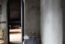 moroccan tadelakt bathroom...