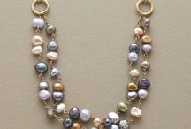 jewerly e necklace display