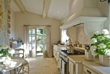 Kitchens / by Beth Koons