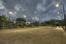 Tennis / The tennis program at Piper's Landing allows for many different levels of players to enjoy a good game. To create a welcoming environment, our five Har-Tru® Courts are impeccably maintained and open day or night, framed with the latest technology in lighting management.