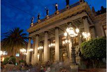 Guanajuato / Guanajuato... enamórate de su arquitectura, historia, gastronomía, de su magia, de su gente y de todo lo que tiene para ofrecerte.