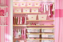 Closet Organization / by Melli De