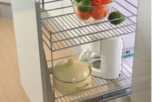 Wire Pull Outs in London / One of the highlighting features of the Wire Pull Outs in London is the soft closing mechanism. Also, there are 2 Frame Chrome Baskets featuring extension runners, as well.