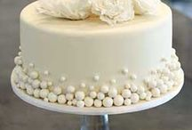 Wedding Cakes / by Sharon Biegler