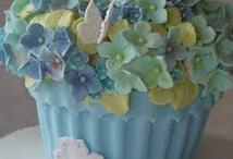 BEAUTIFUL CAKES / by Terri Porterfield