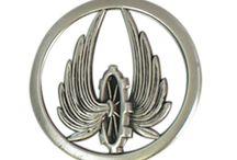 pins, ecussons, badges