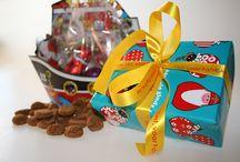 Sinterklaas / Inspiratiebron nodig voor Sinterklaas? De artikelen in onderstaande ideeën zijn te bestellen bij Globos B.V. te Spijkenisse. Neem gerust contact met ons op om de mogelijkheden te bespreken. Tel. 0181 - 751154 of info@globos.nl