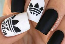 N A I L S / I just love these nails!! I know I won't be able to do them, but they just look so gorgeous- who can resist??