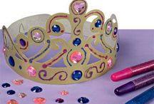 Ridders en prinsessenfeestjes met Sien en Co ❣ / Sien en Co houden van feestjes. Helemaal als ze in een leuk thema zijn zoals ridders en prinsessen. Je kunt zoveel doen in dit thema.   Via Hiep en Hoera (https://hiepenhoera.wordpress.com/) deel ik al een paar leuke ridders en prinsessen knutsel ideeën. Hier vind je nog meer inspiratie.