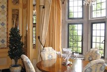 Dining & breakfast rooms / by Mary Kaye Shawgo